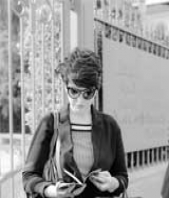 Scrittura e Traduzione Claudia Saglimbeni